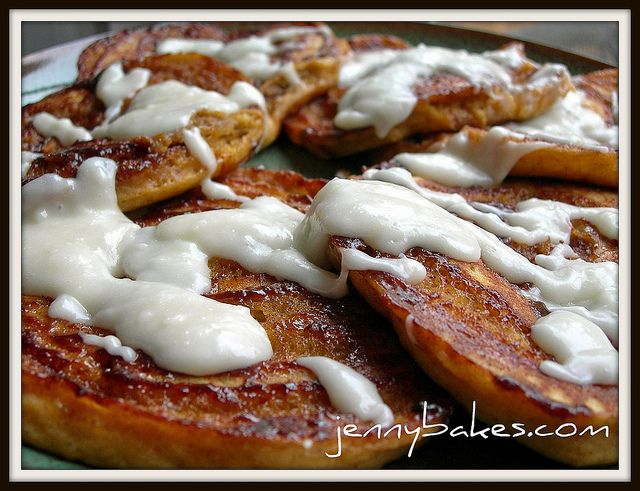 ... making these for Thanksgiving breakfast! Pumpkin Cinnamon Bun Pancakes