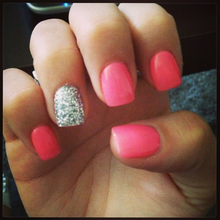 Coral nails. | Nail Art | Pinterest
