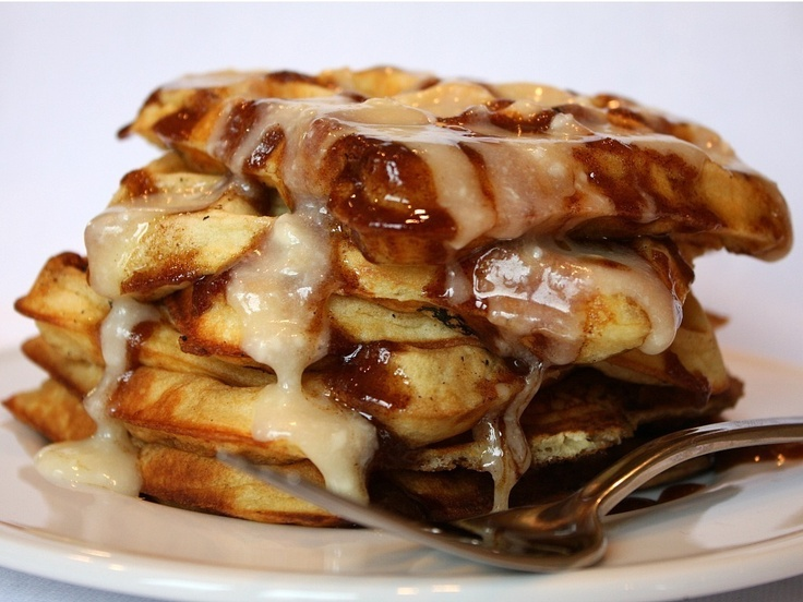 Cinnamon Roll Waffles by Recipe Girl -- Going to have to make these ...