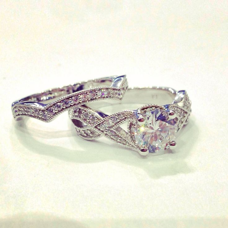 ... band. Complimented with a matching fitted wedding band ️ #unique