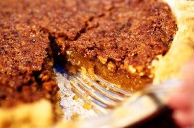 Pioneer Woman's Pecan Pie — Punchfork | Pioneer Woman (Ree Drummond ...