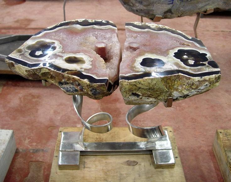 Pin by shulamis fellig on dara ettinger designs pinterest for Geode side table
