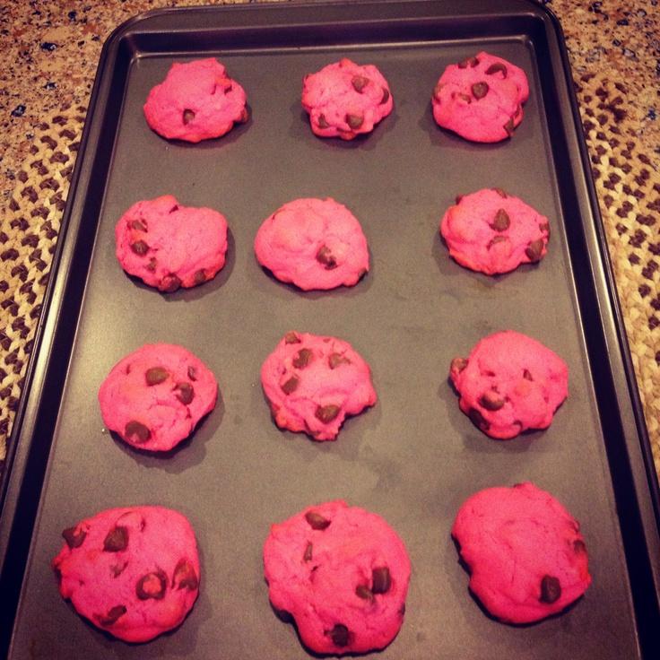 Hot pink chocolate chip cookies yummy | Yum! | Pinterest