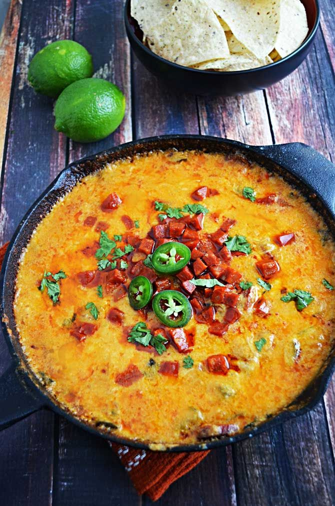 Chorizo Queso Fundido- a spicy Mexican cheese appetizer with beer ...