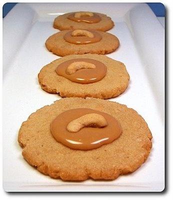 Caramel Cashew Cookies | recipes | Pinterest