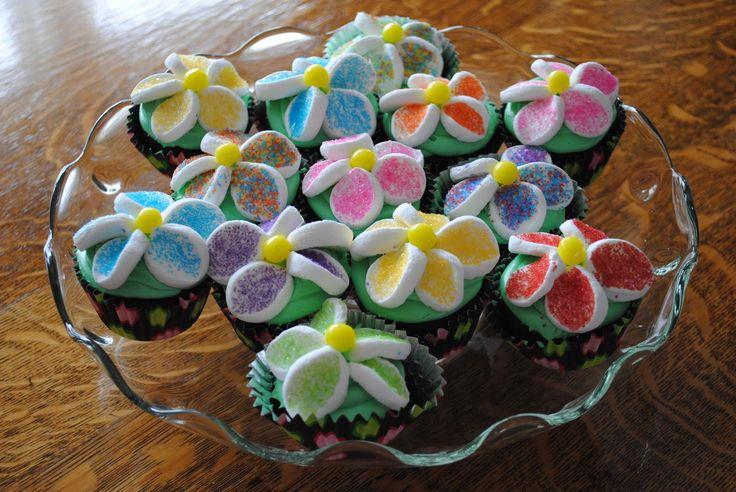 Marshmallow Flower Cupcakes | desserts | Pinterest