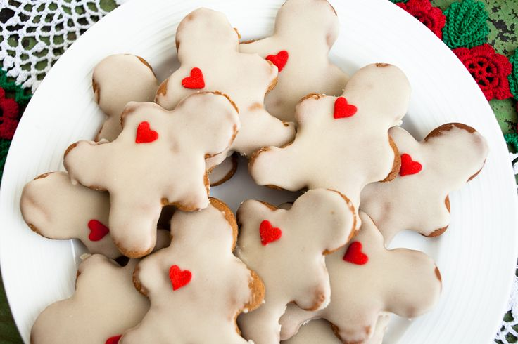 Easy Vegan Gingerbread Cut-Out Cookies - Trans-Planted « Trans ...