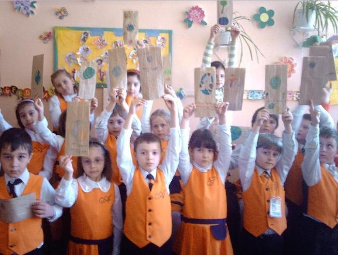 Elementary Classrooms Around The World ~ Elementary school in romania schools around the world