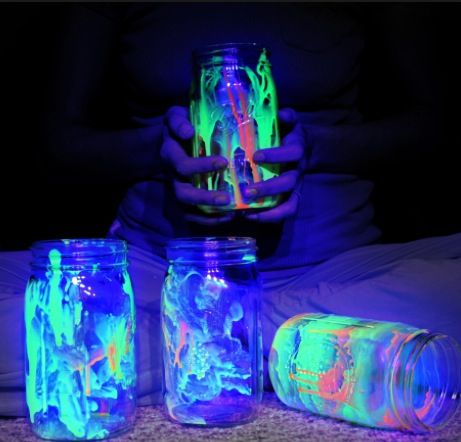 Glow in the dark glitter jars   CENTERPIECESGlow In The Dark Centerpieces