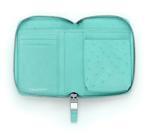 Tiffany blue 174 ostrich lex it holds a phone too shut the front