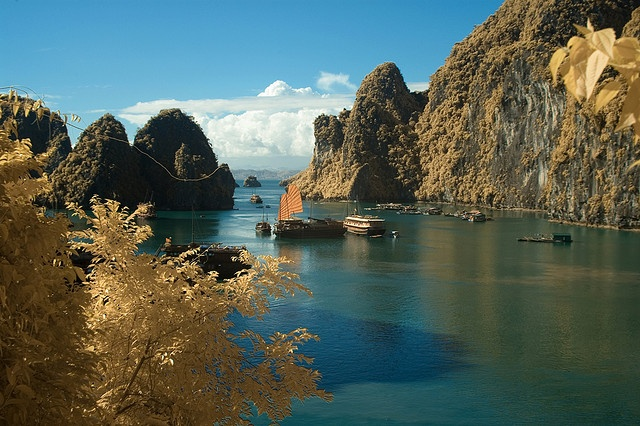 Ha Long Bay by wirallie, via Flickr