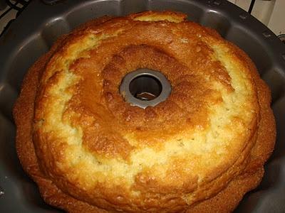 Buttermilk Coconut Bundt Cake | Bundt up Cakes | Pinterest