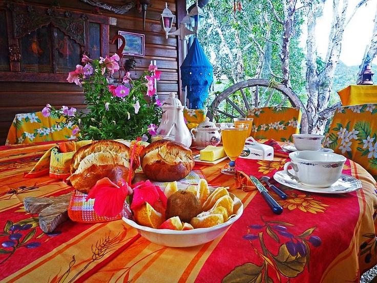 Plateau Petit Dejeuner Maison Du Monde  petit dejeuner au Tour du