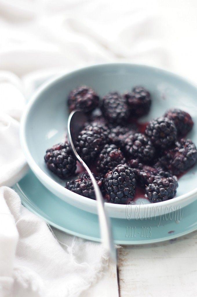 blackberry ice cream with amaretto ecurry the recipe blog