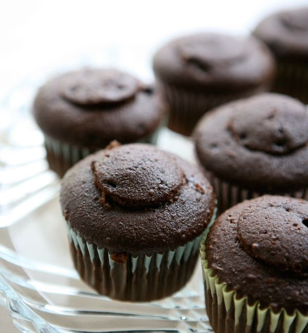 Caramel Filled Chocolate Cupcakes with Chocolate BUttercream. ALSO ...