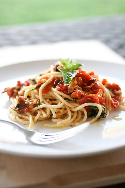 Pasta with Baked Tomato Sauce.. | Nom Nom Nom | Pinterest