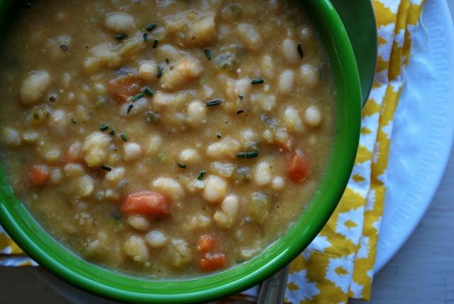 30 minute tuscan white bean soup tomato white bean bacon soup 10 best ...