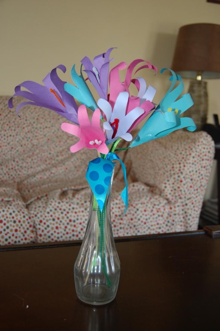 Handprint Flower Bouquet images