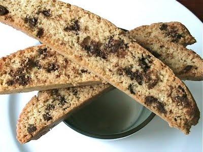 peanut butter chocolate chip biscotti | baking | Pinterest