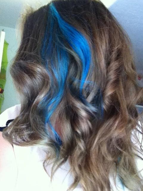 Blue streaks with brown hair. (: | Hair Magic | Pinterest
