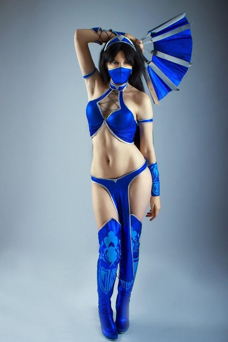 Mortal kombat kitana cosplay