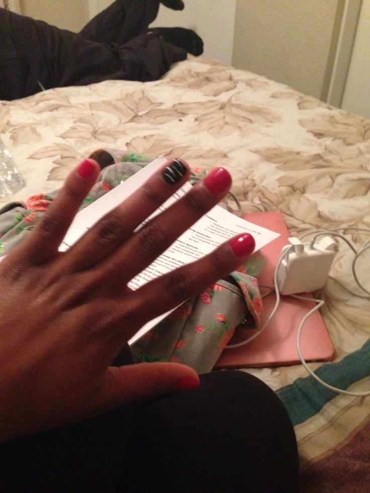 Gel manicure. Red nails. && accent nail! | Swaggy swagg momma. | Pint