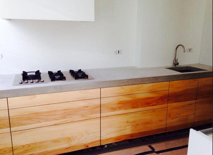 Houten Keuken Met Betonnen Blad : houten keukenblok met stoer betonnen blad. Van Hammerstein Keukens