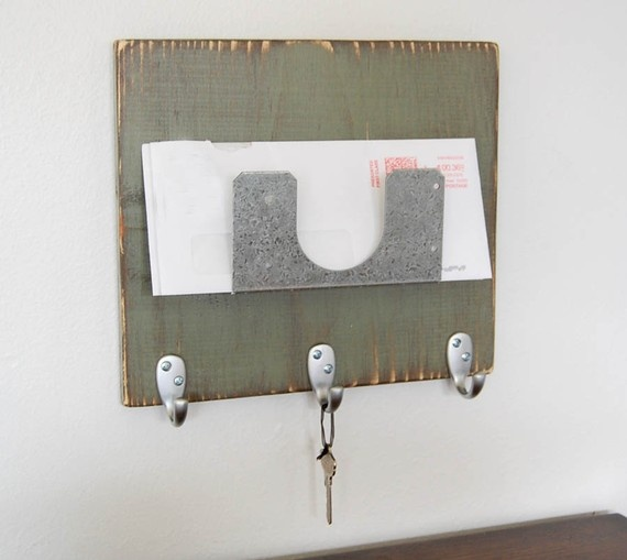 Mail and key holder to make pinterest - Key hook and mail holder ...
