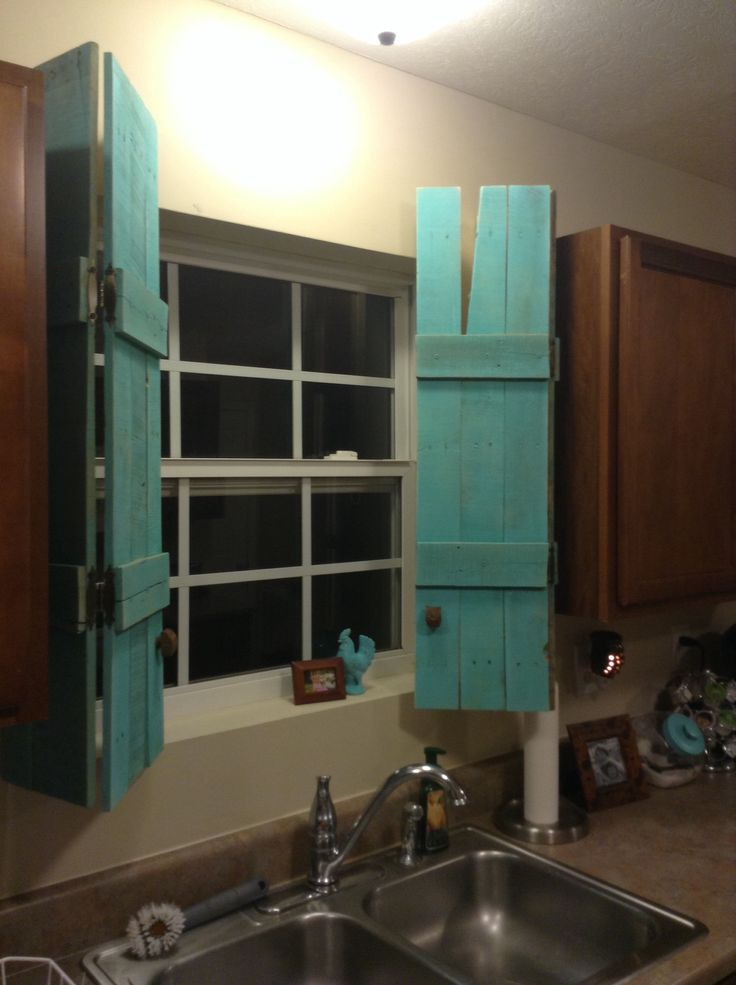 Diy window shutters from pallet decorating and projects for How to make shutters from pallets