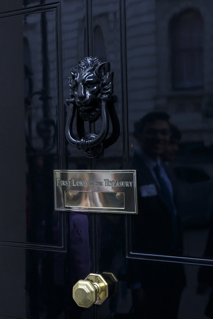 10 downing street 97 pinterest for 10 downing street lion authentic foundry door knocker