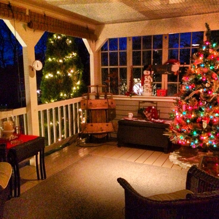 Pin by leticia edington on my home plans pinterest for Country christmas decorations for front porch