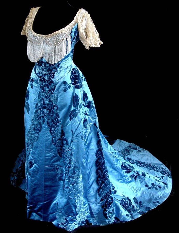 photo What is a Ball Gown modern collection