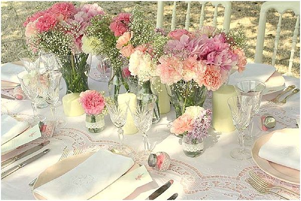 Estilo Shabby Chic Decoracion Fiestas ~ Shabby chic wedding flowers  Image by Laurie Dilhan Photography