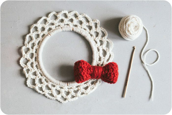 Free Crochet Pattern For Christmas Wreath : Pattern: Christmas Wreath Crochet patterns Pinterest