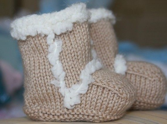 Knitted Ugg boots! BABY STUFF Pinterest