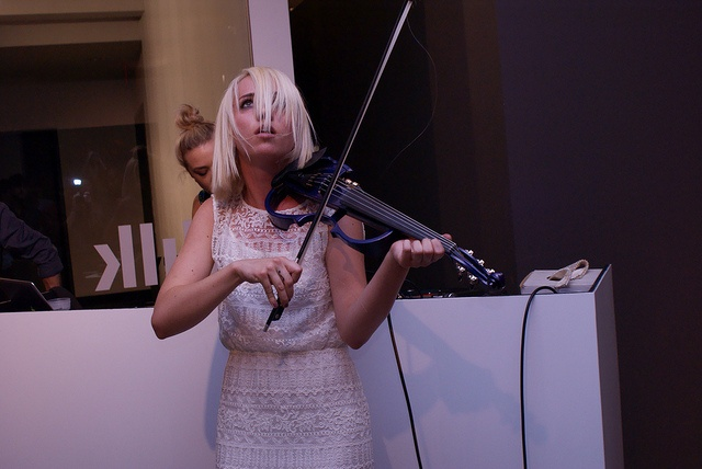 Violinist Caitlin Moe at Milk Gallery NYC