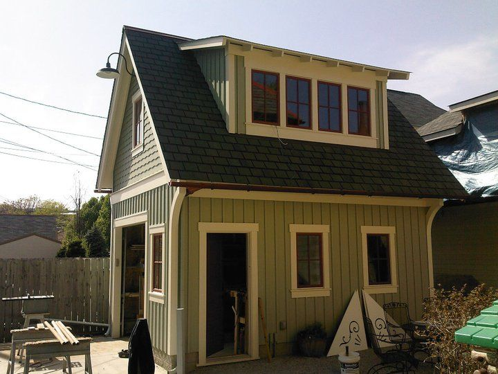 Single bay carriage house parking lot pinterest for Garage apartment homes