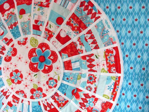 Cool circle quilt.