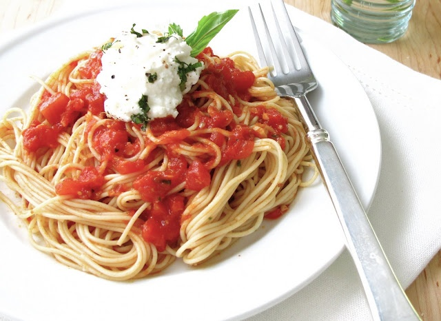 Simple Tomato Sauce Recipe | food and drink | Pinterest