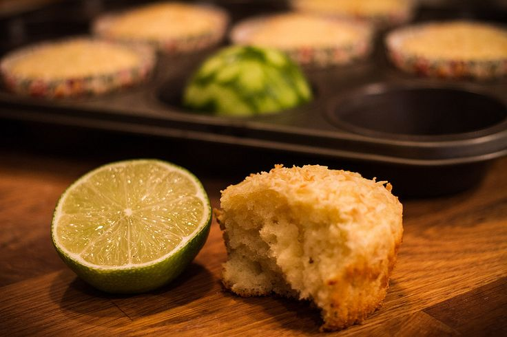 ... .se/2013/01/recept-coconut-key-lime-muffins/ #baking #muffins