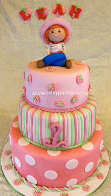 3-tier Strawberry Shortcake cake by Mama Min, via Flickr