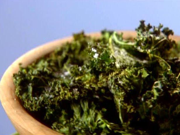 Baked Kale Recipe - I sprinkle mine with olive oil, sea salt, pepper ...