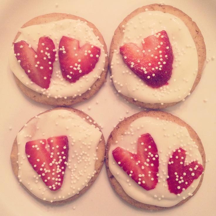 valentine's day protein cookies