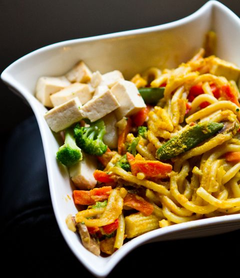 Creamy Garlic Udon Noodle Veggie stir-fry with Tofu (instead of cheese ...