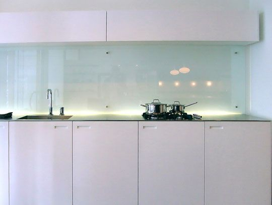 have never considered glass backsplash easy to clean no grout