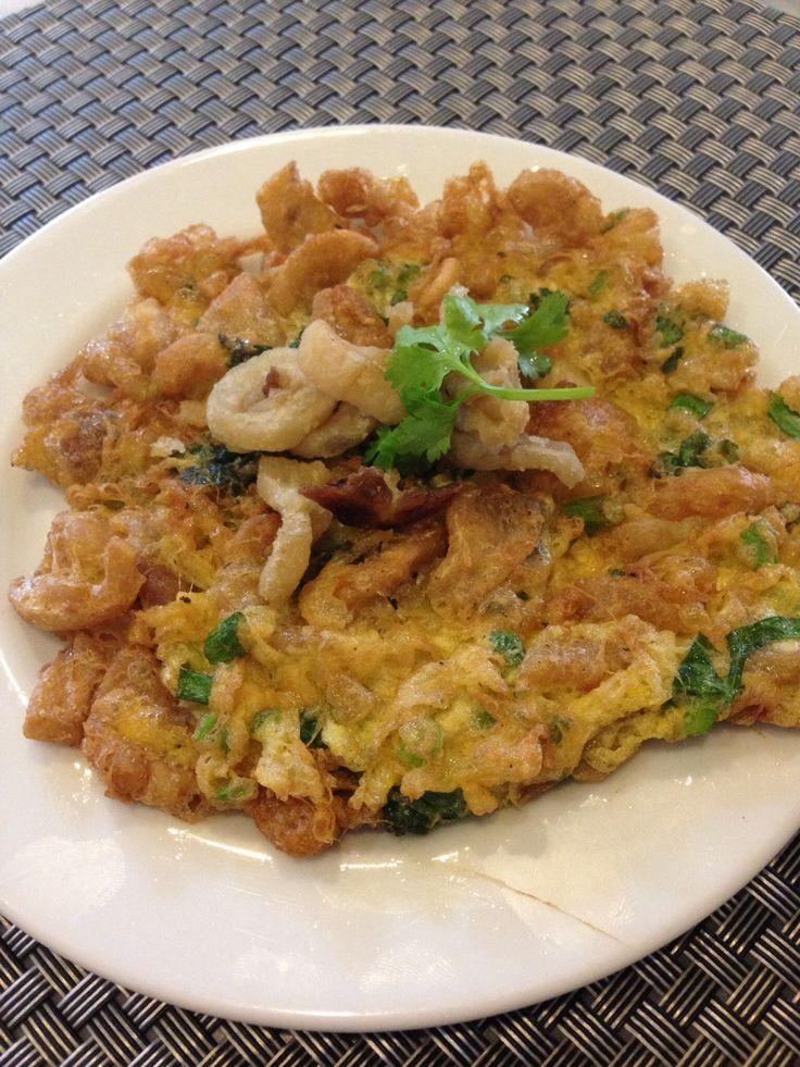 Thai style omelette ไข่เจียวกากหมู