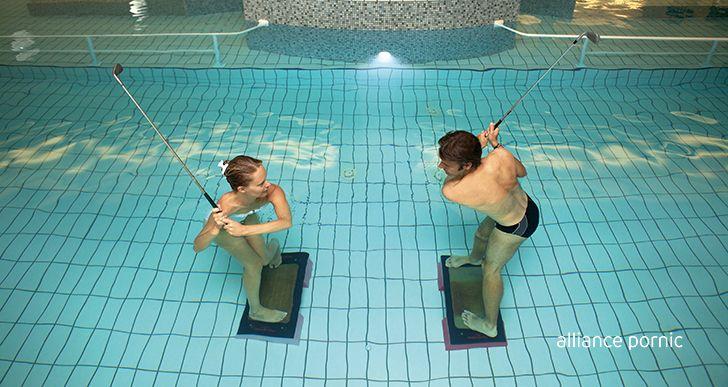Pour soulager son dos expérimenter l'art du swing en eau de mer chaude, idéal pour améliorer ses mouvements en douceur et tonifier les muscles sollicités dans la pratique du golf.