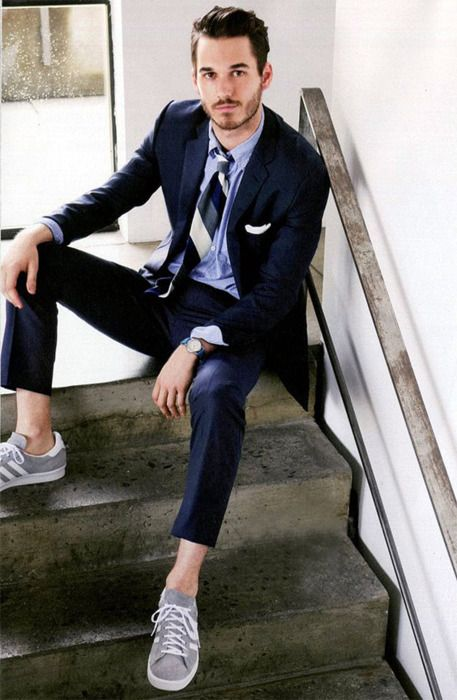 Suit, tie and sneakers
