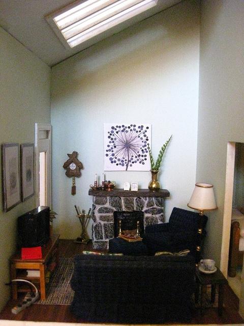 Dollhouse living room dollhouse room design ideas for Dollhouse bedroom ideas
