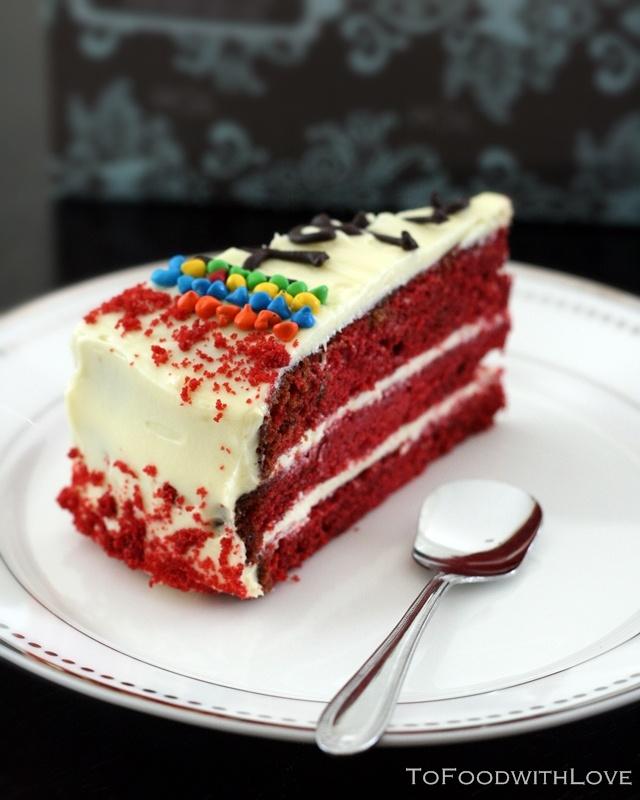 Cake Red Velvet Birthday Kustura for